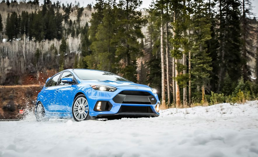 2016 Ford Focus RS with winter tire package - Slide 6