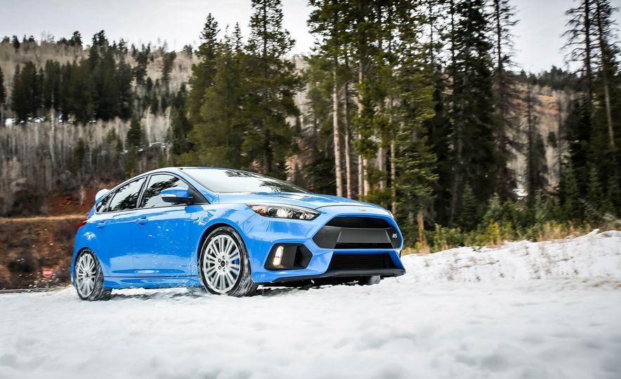 2016 Ford Focus RS with winter tire package - Slide 7