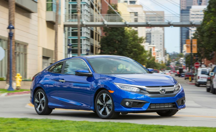 2016 Honda Civic coupe Touring - Slide 5