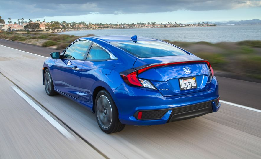 2016 Honda Civic coupe Touring - Slide 7