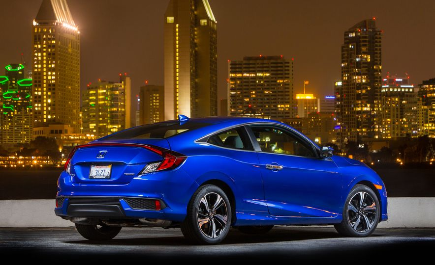 2016 Honda Civic coupe Touring - Slide 18