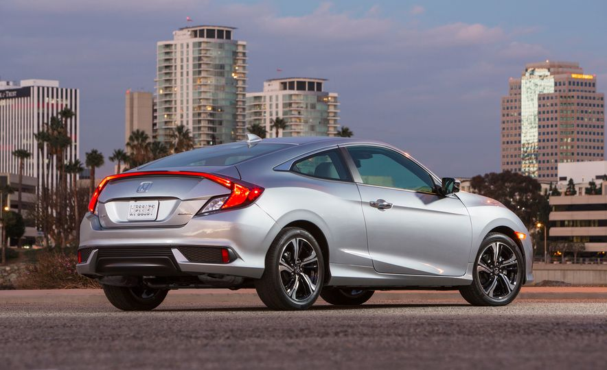 2016 Honda Civic coupe Touring - Slide 29
