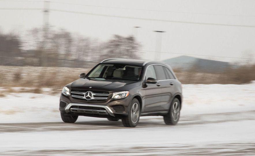 2016 Mercedes-Benz GLC300 4MATIC - Slide 5