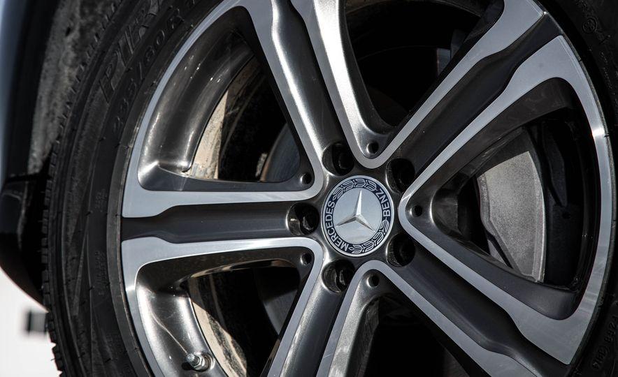 2016 Mercedes-Benz GLC300 4MATIC - Slide 18
