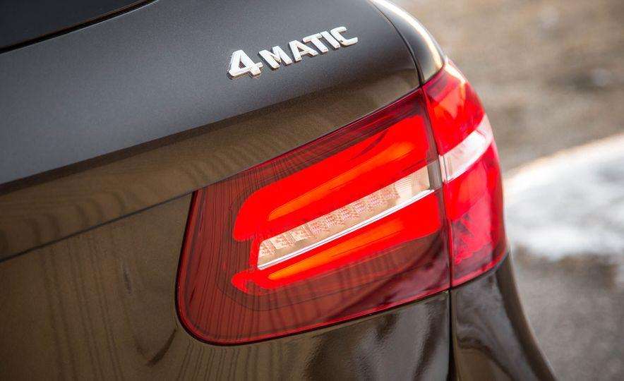 2016 Mercedes-Benz GLC300 4MATIC - Slide 20