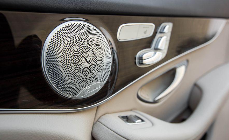 2016 Mercedes-Benz GLC300 4MATIC - Slide 38