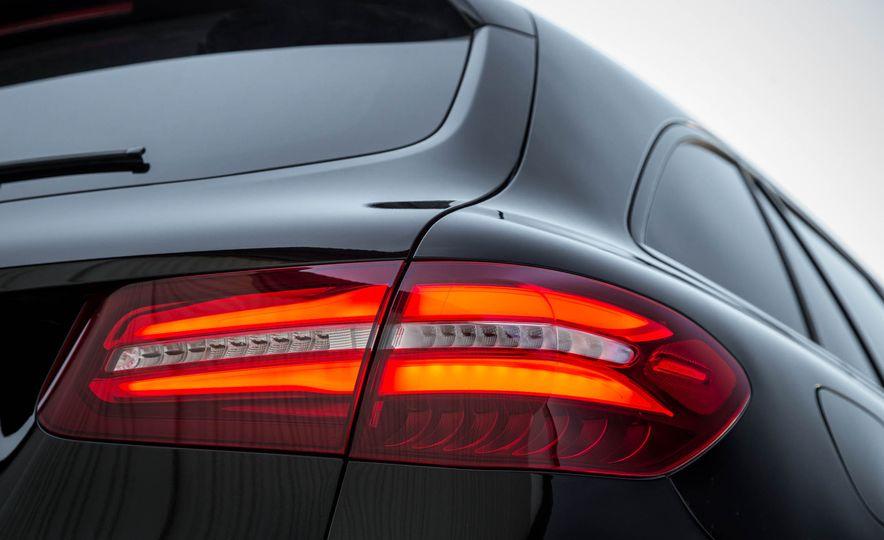 2016 Mercedes-Benz GLC300 4MATIC - Slide 55