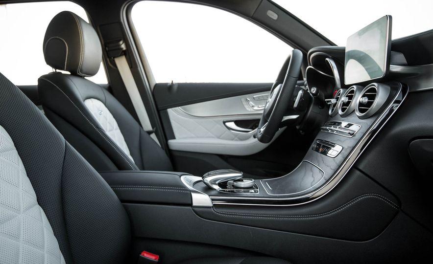 2016 Mercedes-Benz GLC300 4MATIC - Slide 61