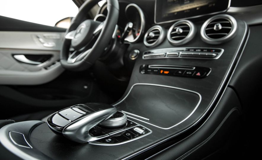 2016 Mercedes-Benz GLC300 4MATIC - Slide 71