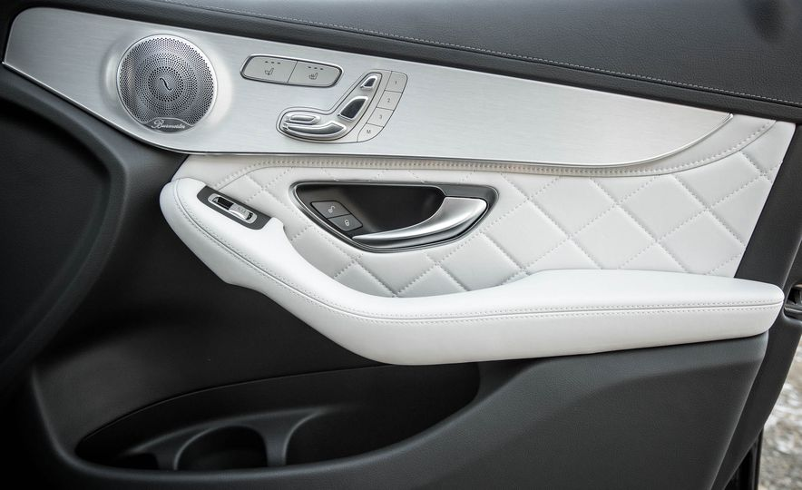 2016 Mercedes-Benz GLC300 4MATIC - Slide 75