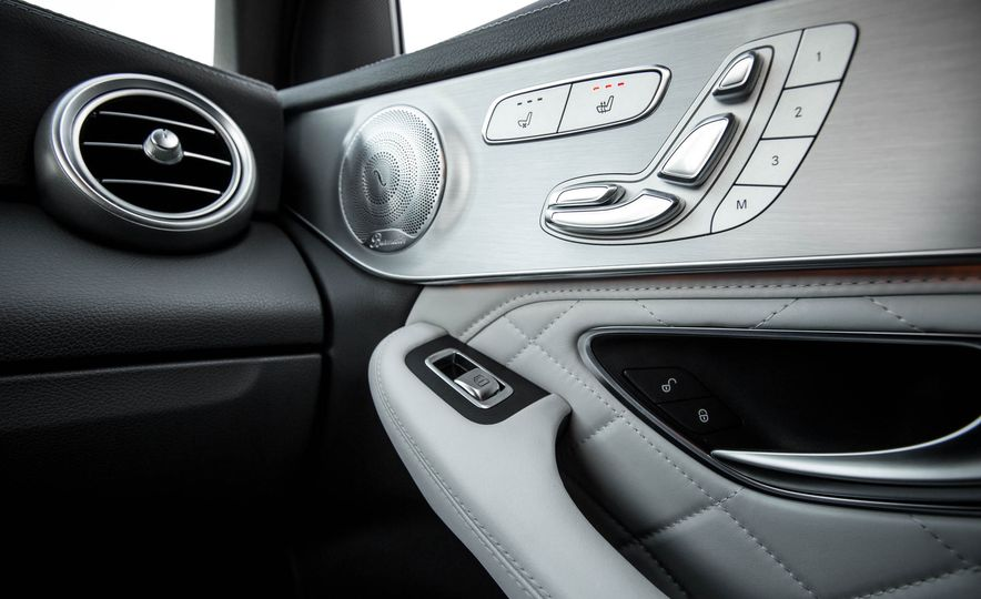 2016 Mercedes-Benz GLC300 4MATIC - Slide 76