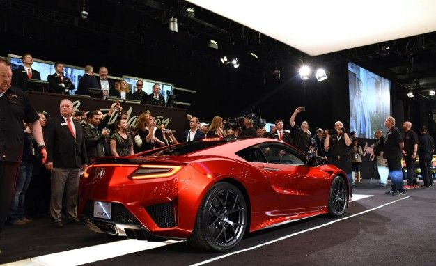 Acura Nsx Reviews Acura Nsx Price Photos And Specs Car And Driver