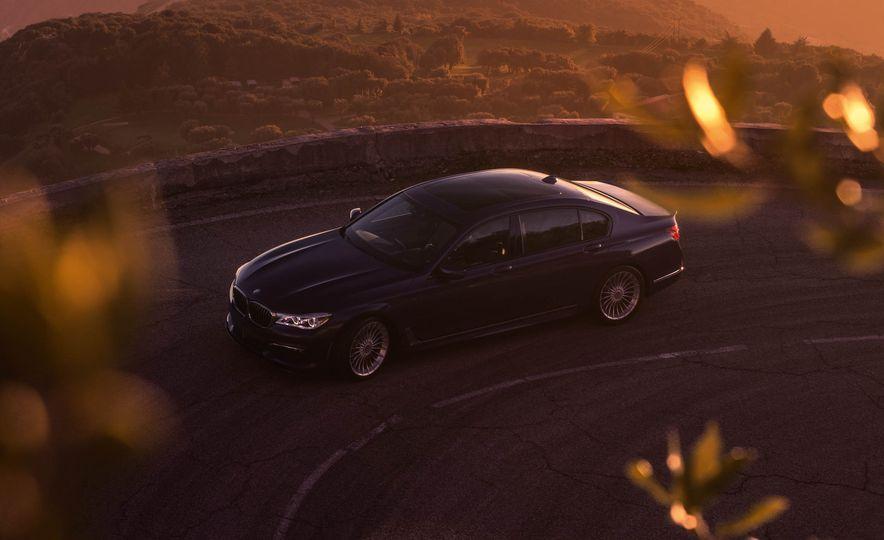 2017 BMW Alpina B7 xDrive - Slide 28