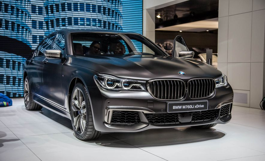 2017 BMW 7 Series Pictures