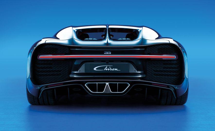 2017 Bugatti Chiron - Slide 28