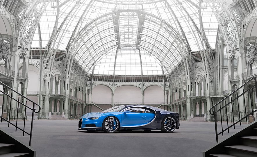 2017 Bugatti Chiron - Slide 18