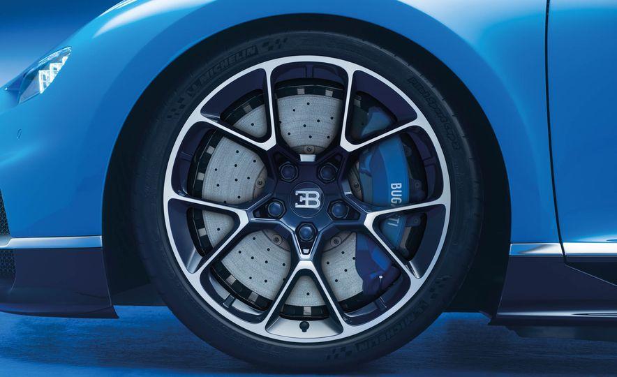 2017 Bugatti Chiron - Slide 31