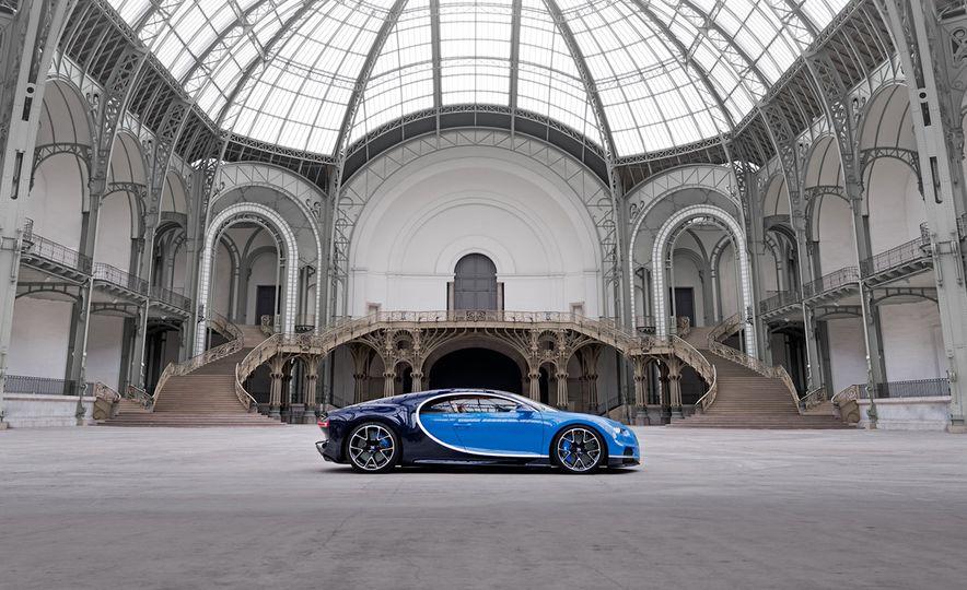 2017 Bugatti Chiron - Slide 19
