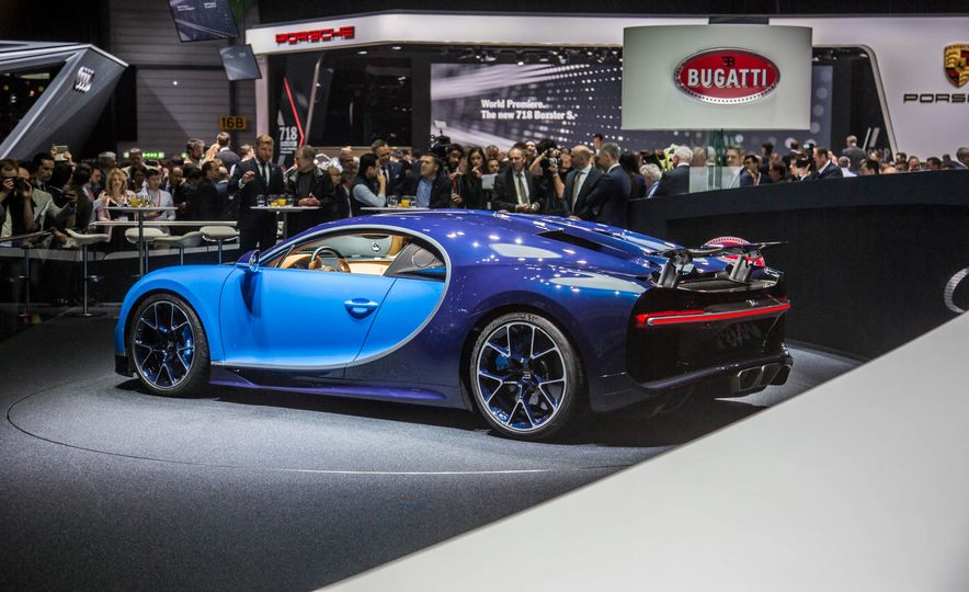 2017 Bugatti Chiron - Slide 3