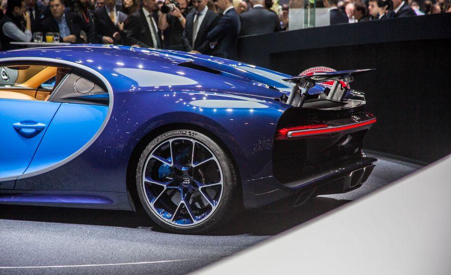 2017 Bugatti Chiron - Slide 12