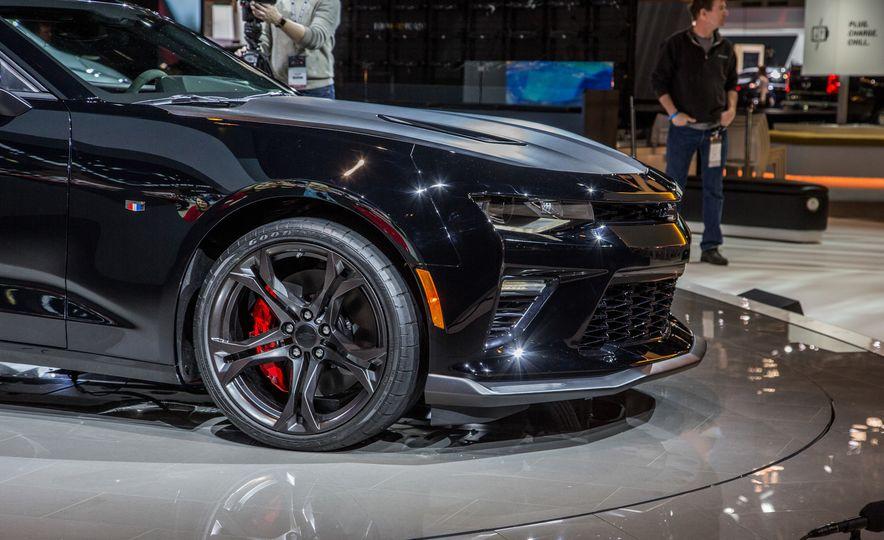 2017 Chevrolet Camaro SS 1LE - Slide 18