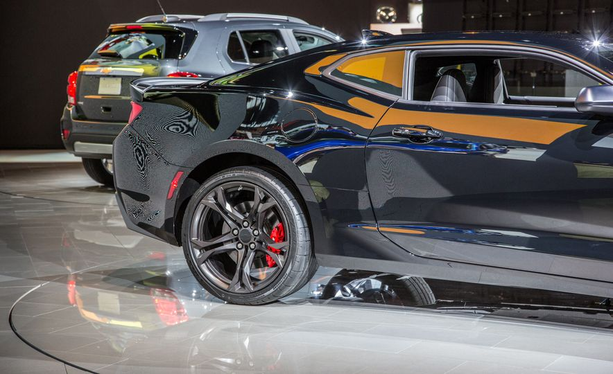 2017 Chevrolet Camaro SS 1LE - Slide 20