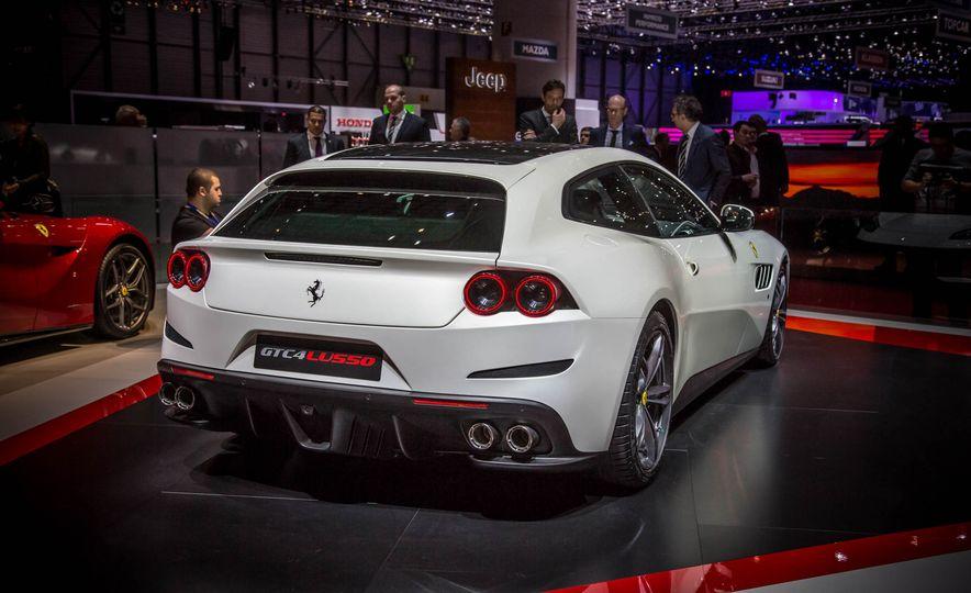 2017 Ferrari GTC4Lusso - Slide 3