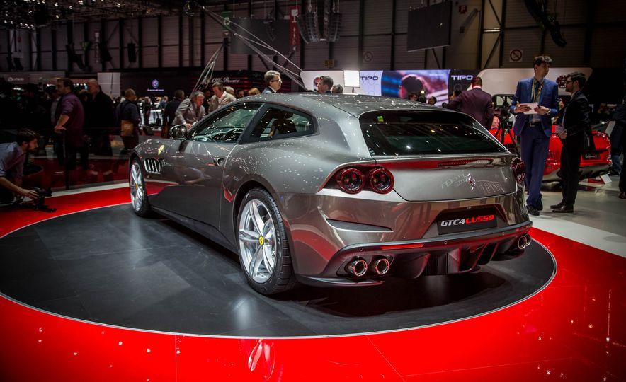2017 Ferrari GTC4Lusso - Slide 8