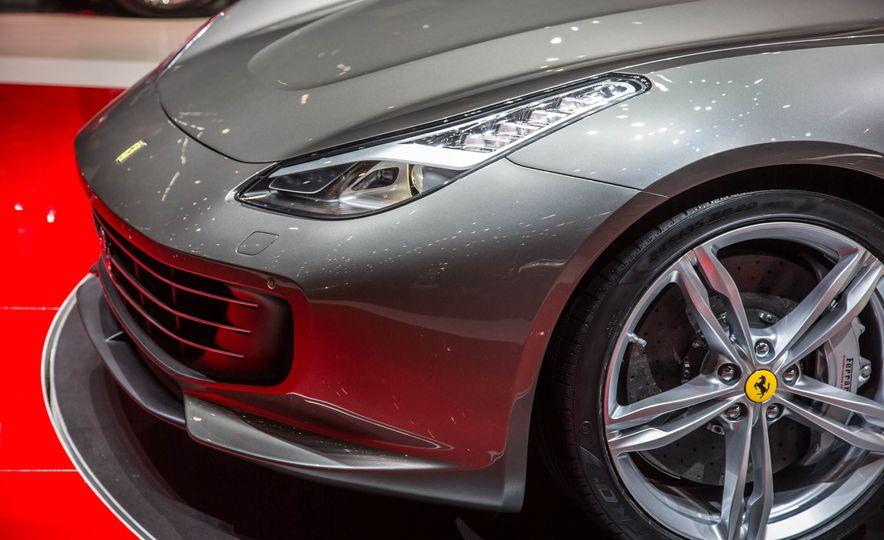 2017 Ferrari GTC4Lusso - Slide 13