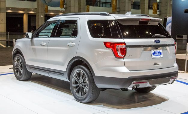 2017 Ford Explorer Adds Sport Appearance Package News Car And Driver