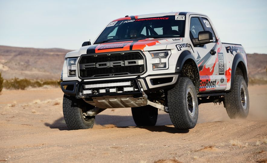 2017 Ford F-150 Raptor race truck - Slide 3