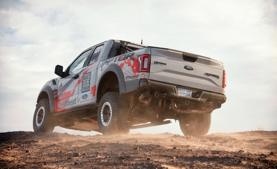 2017 Ford F-150 Raptor race truck - Slide 7