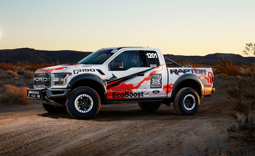 2017 Ford F-150 Raptor race truck - Slide 8