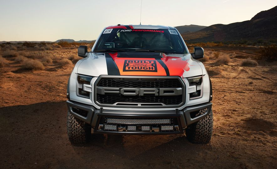 2017 Ford F-150 Raptor race truck - Slide 12