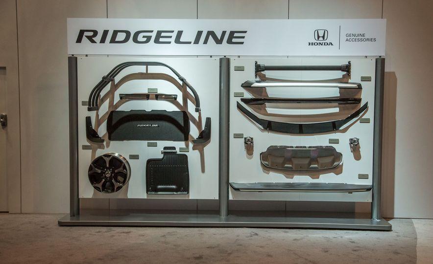 2017 Honda Ridgeline - Slide 10