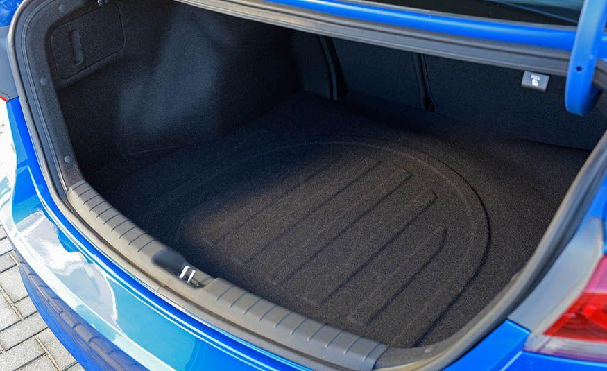Ô tô Hyundai Elantra có gì mới ???