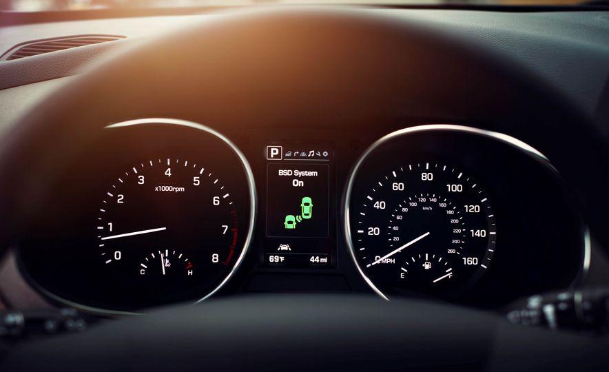 2017 Hyundai Santa Fe Sport - Slide 20