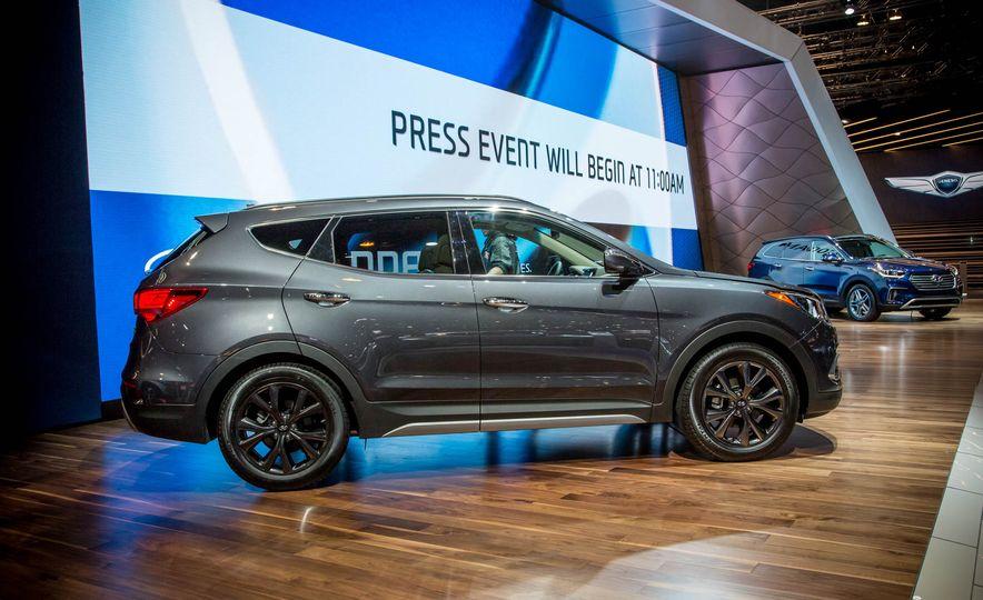 2017 Hyundai Santa Fe Sport - Slide 6