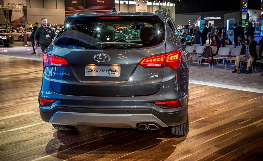 2017 Hyundai Santa Fe Sport - Slide 11