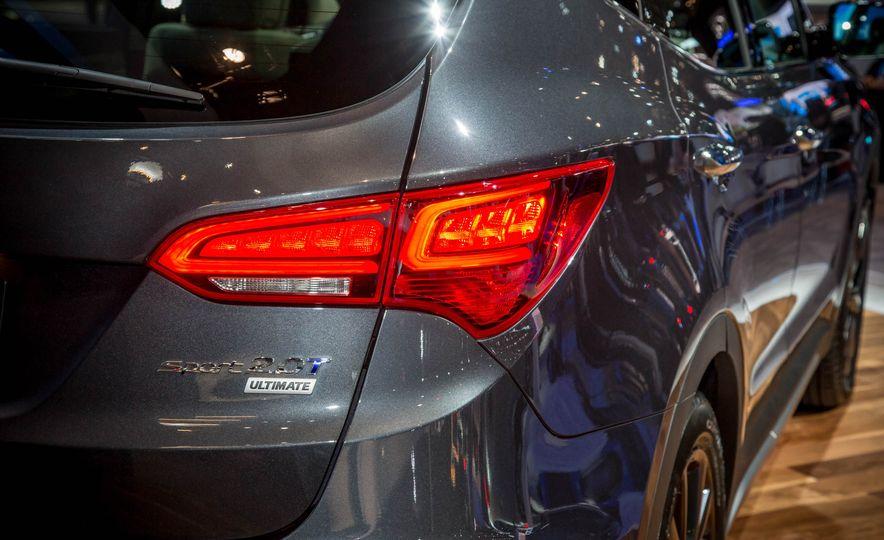 2017 Hyundai Santa Fe Sport - Slide 12