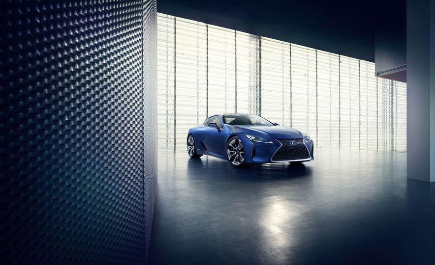 2018 Lexus LC500h - Slide 29