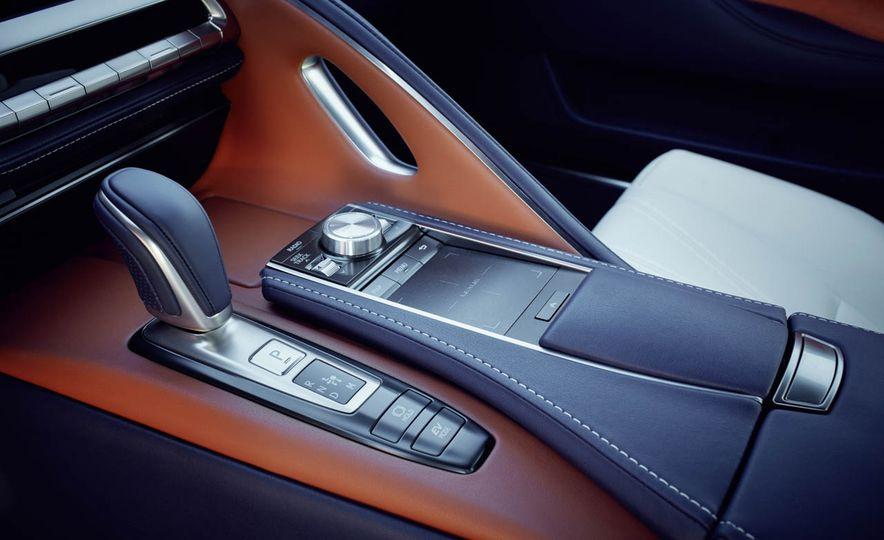 2018 Lexus LC500h - Slide 56