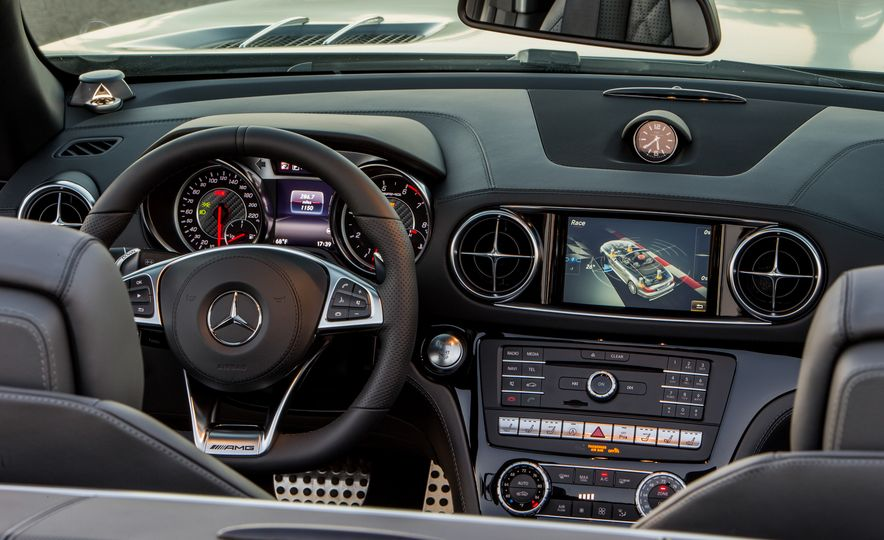 2017 Mercedes-AMG SL65 - Slide 71