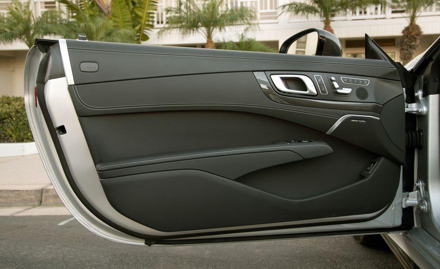 2017 Mercedes-AMG SL65 - Slide 103