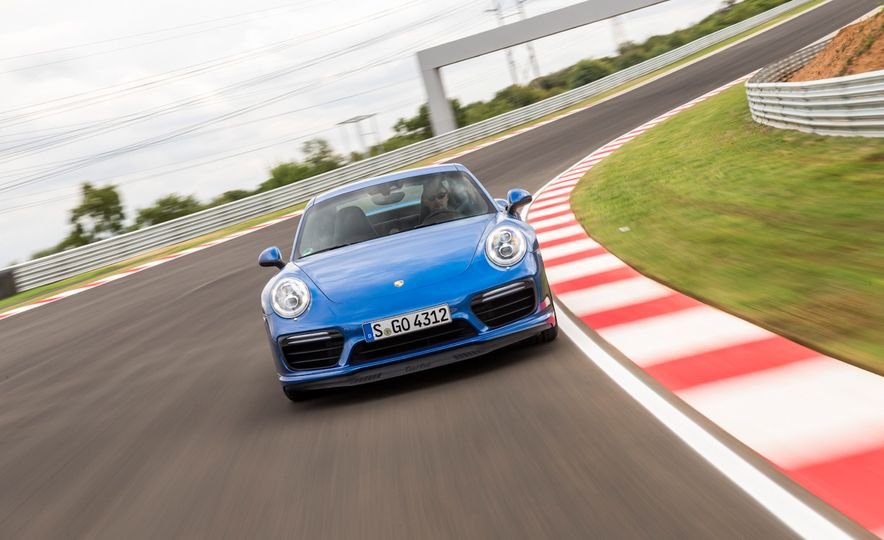 2017 Porsche Macan GTS - Slide 42