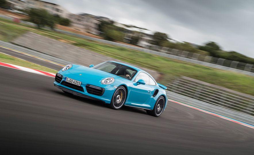 2017 Porsche Macan GTS - Slide 38