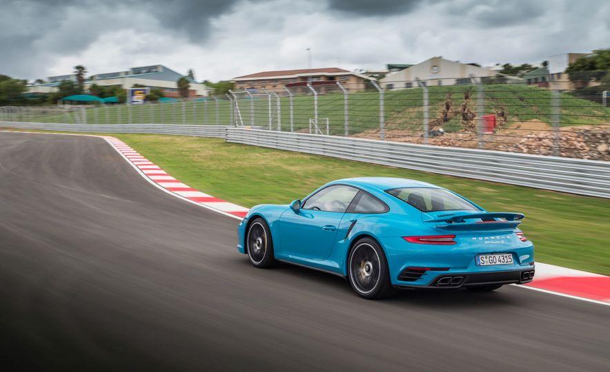 2017 Porsche Macan GTS - Slide 39
