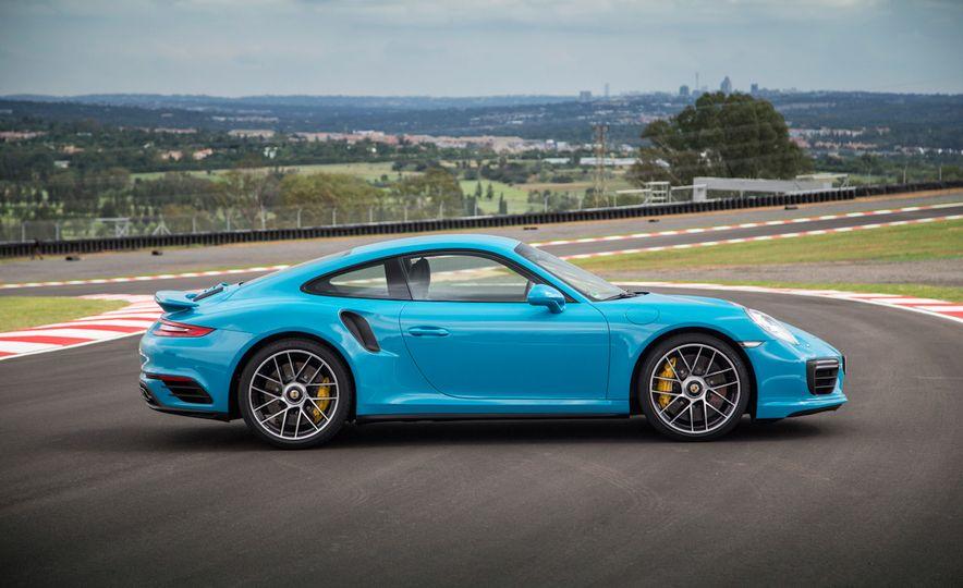 2017 Porsche Macan GTS - Slide 41