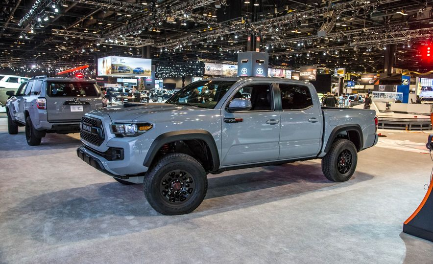 2017 Toyota Tacoma Pictures Photo Gallery Car And Driver