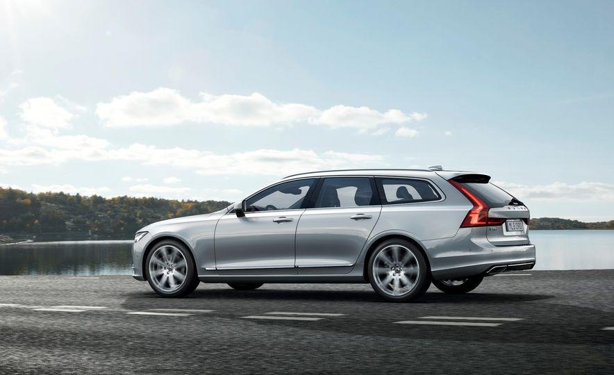 2017 Volvo V90 - Slide 20